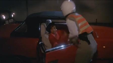 奸人鬼:永远不要得罪女人这种生物,狠起来交警的车都敢劫