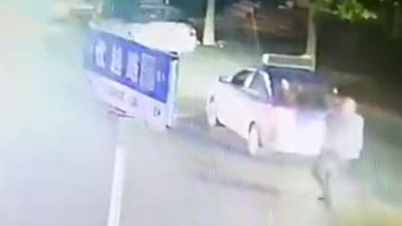 河南一男子醉酒大闹出租车 打跑司机自己开车回家被刑拘