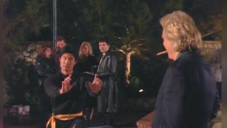 悍将奇兵:老大要求和三个人打,拿的朋友威胁他,女子寻求黑虎的帮助