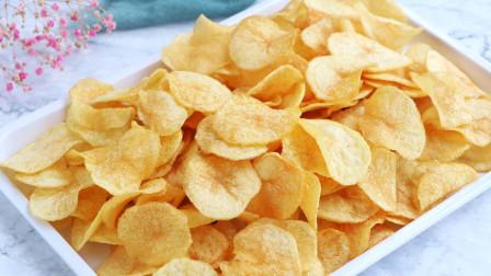 土豆不炖不清炒,切一切放锅里,比薯片还要好吃,出锅就光盘