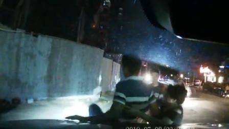 女子油门当刹车尖叫着连撞5车 副驾丈夫上演绝望六连吼