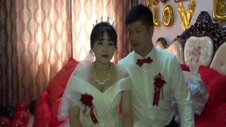 江西农村小伙婚礼,新郎豪车接新娘刚到家,新房蛮宽阔的