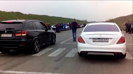 宝马X5和奔驰AMG比直线加速,刚起步,奔驰就输了