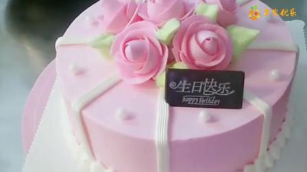 订了一款没有水果的蛋糕,蛋糕师制作出来的成品,太精致了!