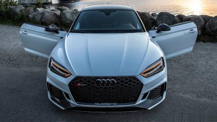 2020奥迪RS5 全新黑色套装450匹马力 v6引擎