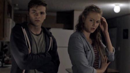 谷阿莫:5分钟看完爸爸把儿子关在仓库戳妈妈的电影《惊天复制》