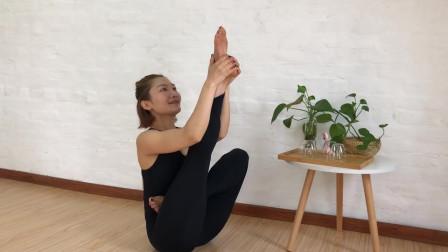 每日瑜伽,记得微笑!