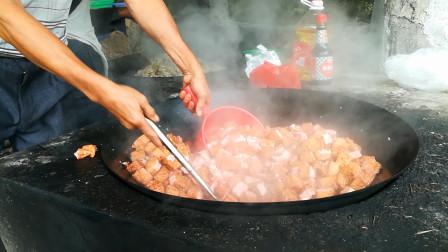 广西农村办酒席,看到厨师这样炒菜,我放下彩礼走了!