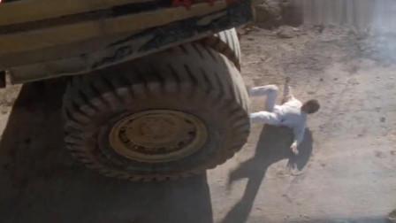 成龙电影中最危险的镜头之一连替身都不敢说大哥只能自己来