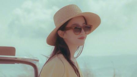 八卦:刘亦菲明黄长裙美艳俏丽 油画质感仙气十足