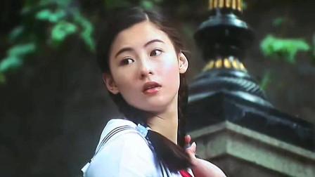 张柏芝颜值巅峰竟是在星爷这部剧,这十八岁的颜值身材足够惊艳!