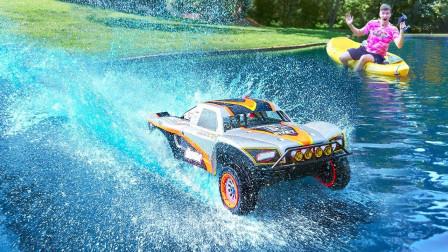 遥控玩具车性能怎样?放下泳池的一瞬间,网友:好戏开始了!
