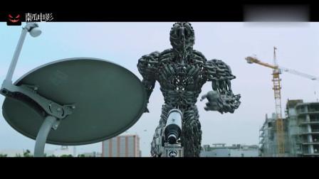 铁甲战神:七弟变成巨型机器人,一脚能踩碎一辆汽车,太强大了