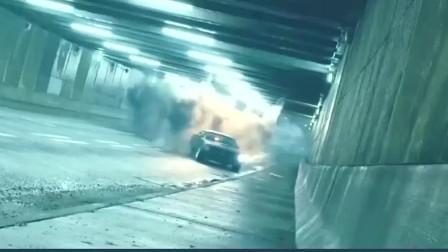 速度与激情7 就在莱蒂束手无策时 道恩强森火速支援解决无人机!