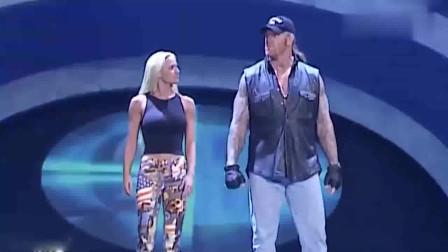 wwe送葬者出场音乐 WWE 送葬者罕见与妻子一同出现 出场动作神同步 太霸气了
