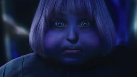 """小女孩不听劝阻,吃下""""神奇口香糖""""后,变成了超大号蓝莓!"""
