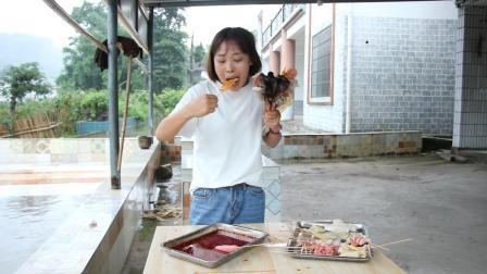 秋妹今天做了四川特色小吃冷锅串串,做法简单又好吃,辣出新天地