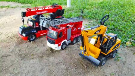 红色和白色吉普车惊心动魄比赛,吊车挖掘机进行救援