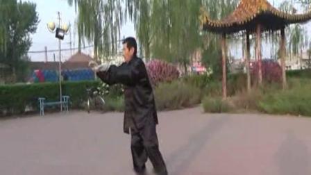视频后旗制作 萱子;髦耋老人孙庆余晚年生活丰富,数十年坚持锻炼,