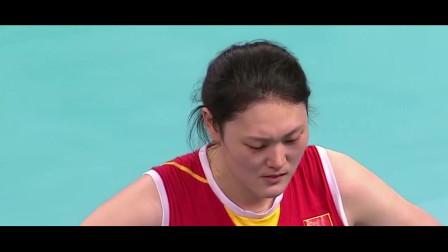 中国女排最窝囊的一场比赛,郎平解说中突然流泪,从此决定回归