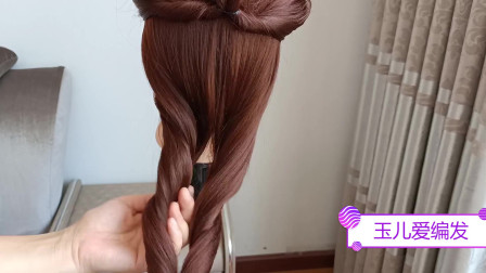 中年女人,别扎老土马尾了,教你发型这么扎,至少减龄10岁
