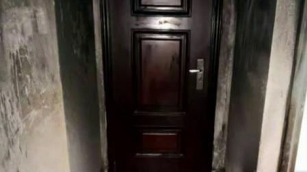 楼道起火燃烧 消防及时扑救 每日新闻报 20190714 高清版