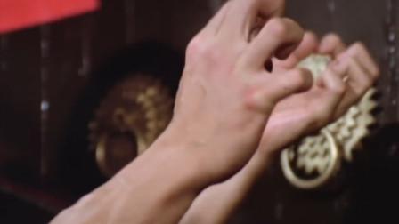 广东高手!铁指高手果然厉害,一发力木门都被插烂