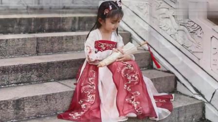 亲子汉服也太温馨可爱了,一大一小的汉服真是让人赏心悦目