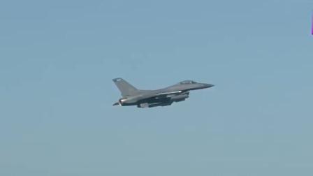 多架F-16战斗机从机场起飞