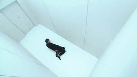 一部日本脑洞短片,自杀即是犯罪,人活着但是法律上已经死了