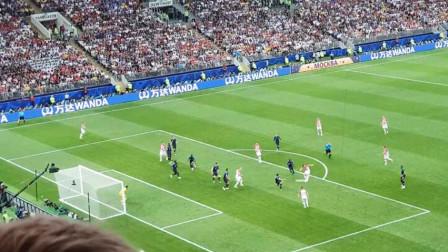 历史上的今天!法国4-2克罗地亚夺世界杯,看台重温俄罗斯之夏10佳球