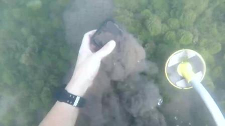 水下探索:发现了新的GoPro 7和两个在水下工作的iPhone