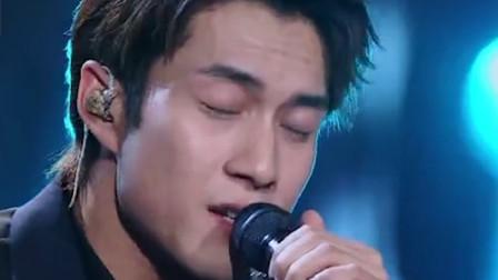 韩东君现场一首《痴心绝对》,像在讲故事一样,震惊了台下观众
