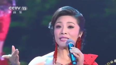 歌唱家李丹阳, 深情演唱《醉了山寨》, 宛如天籁之音, 非常好听!