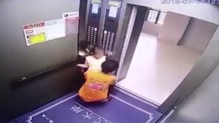 女孩乘电梯时被男子强行抱走 警方:意图猥亵未遂