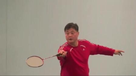 羽毛球:正手网前放网与挑球,不要只看球,这样做才正确