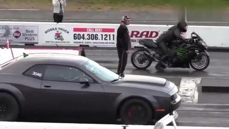加速赛川崎忍者VS道奇恶魔,到底是摩托快还是汽车快
