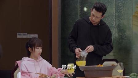 亲爱的,热爱的:韩商言三次和佟年吃饭:找陪聊,夹菜,包饺子