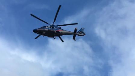 镜头欺骗了我们的眼睛:螺旋桨没有转动,直升机原地起飞!
