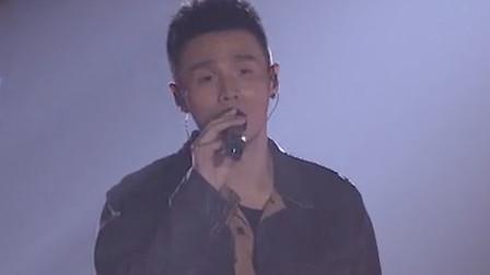 李荣浩一首《不讲究》,动情旋律戳心歌词,唱进听众的心里