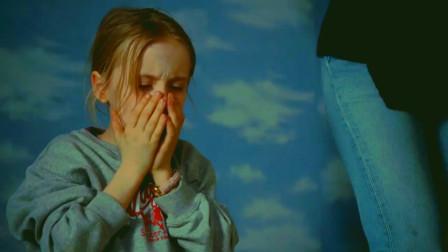 让爱飞起来:小男孩出现在柜子上,摔到地上没有事,还长出了翅膀