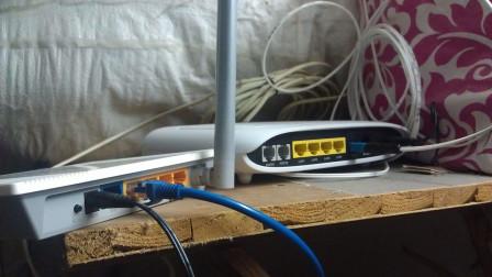 路由器和电脑之间,为什么很少用光纤来连接呢?今天算长见识了