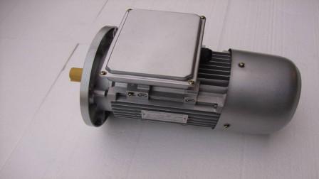 铝比铁更容易散热,为何电机的外壳不改成铝的呢?今天算长见识了