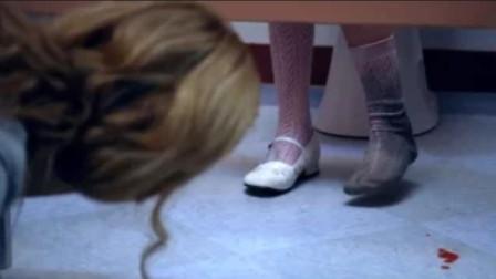 女孩上厕所时,突然听见小孩哭诉,低头一看发生了可怕的事
