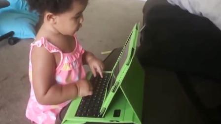 宝宝说要帮妈妈做家务,结果越帮越忙,真是熊孩子