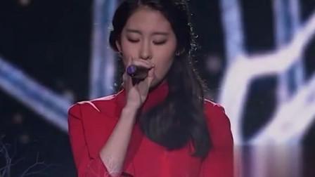 张碧晨现场一首《烟花易冷》,果然是冠军级别的歌声,好听