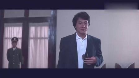 老电影就是好看!杨紫琼穿军装英姿飒爽, 这气场成龙大哥都服了!