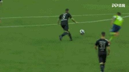 卡利乌斯式失误!西雅图门将传球失误 帕科吊射得手