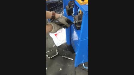 不锈钢冲45度折90度角操作二全