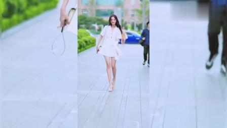 街拍美女:小姐姐为你转身,你喜欢第几次转身!